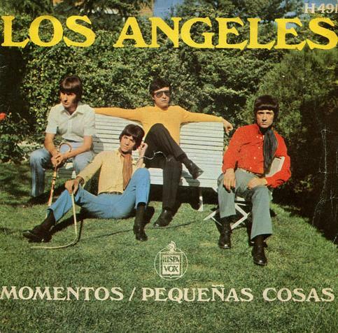 portada del disco Momentos / Pequeñas Cosas