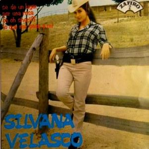 portada del disco Sé de un Lugar / Lo que Me Pasa a Mí / Por una Rosa / Oh, oh, Sheriff
