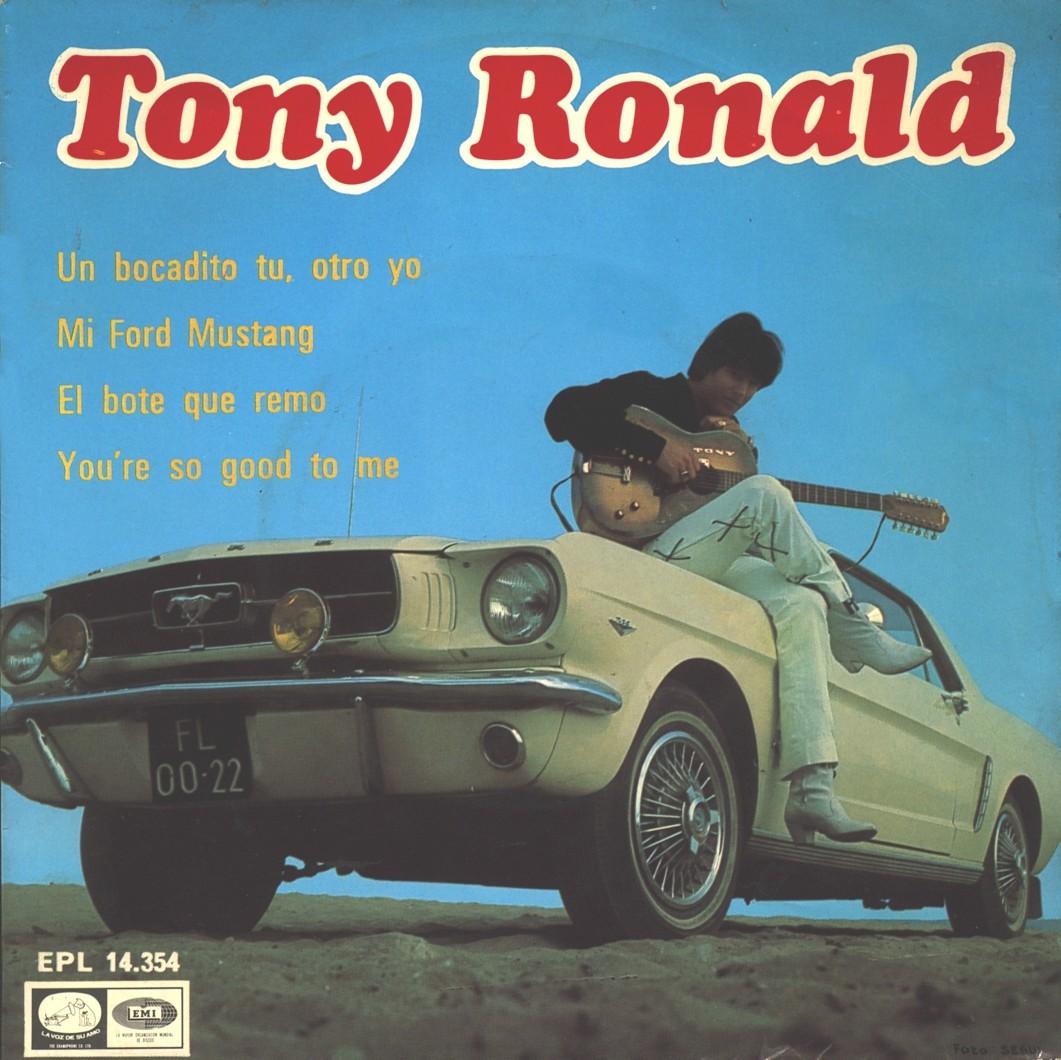 portada del disco Un Bocadito Tú, Otro Yo / Mi Ford Mustang / El Bote que Remo / You're so Good to Me