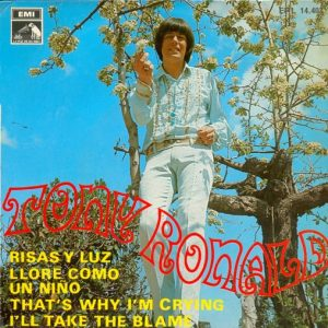 portada del disco Risas y Luz / Lloré como un Niño / That's Why I'm Crying / I Take the Blame