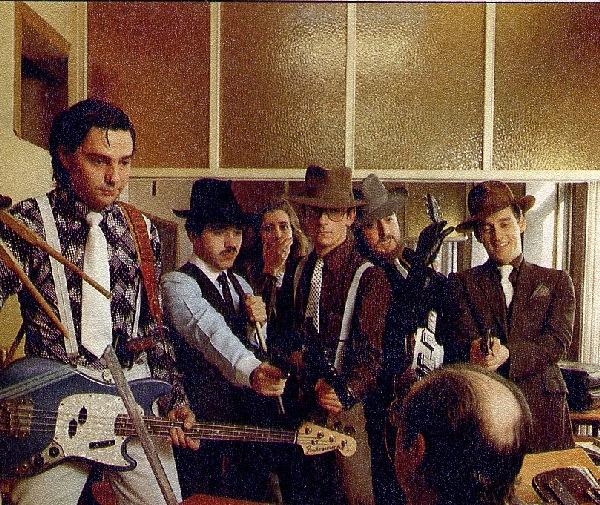 foto del grupo Johnny Comomollo y Sus Gangsters del Ritmo