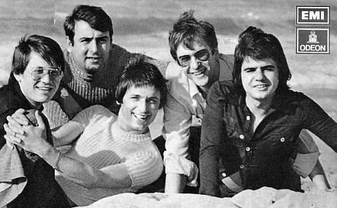 foto del grupo imagen del grupo Los Diablos
