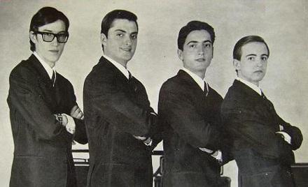 foto del grupo imagen del grupo Los Tiburones
