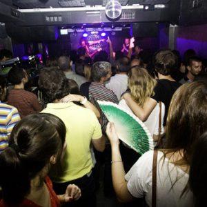 Público abarrotando Siroco