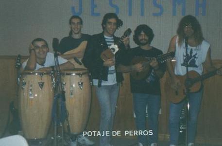 foto del grupo imagen del grupo Potaje de Perros