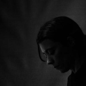 Elena Comas, bajista de Neleonard